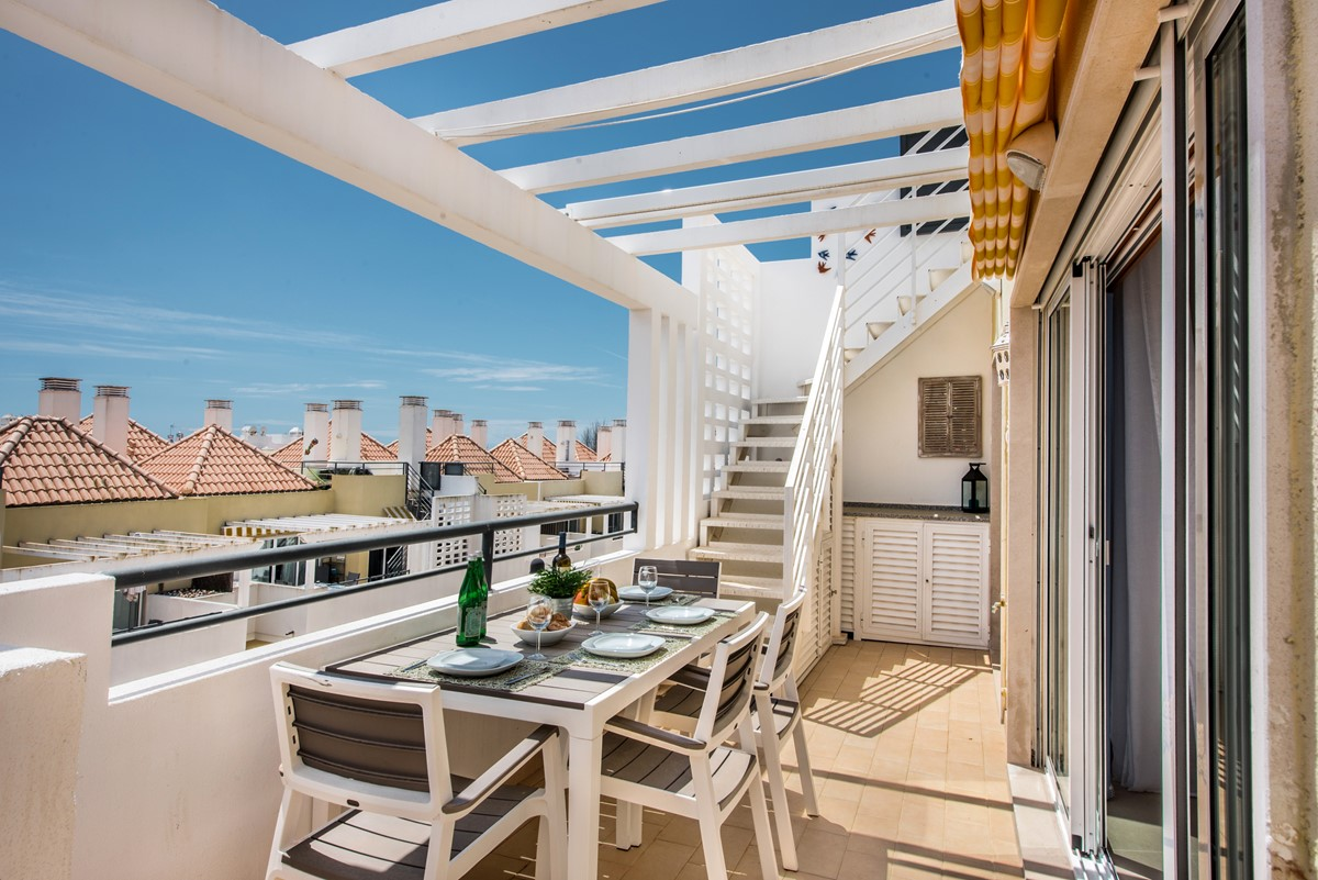 Al Fresco dining in your Penthouse