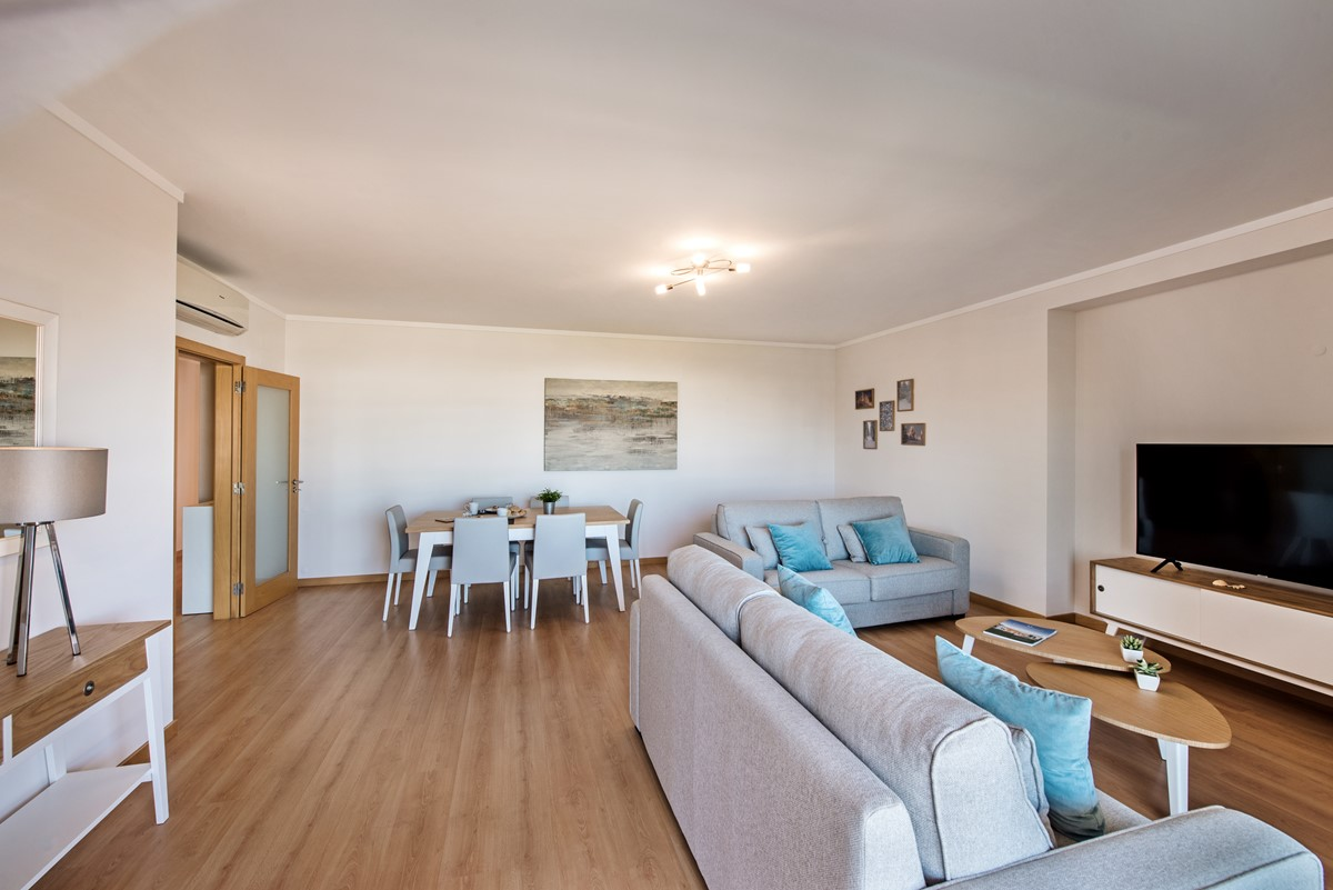 Spacious Apartmnets At Olhao With Air Con