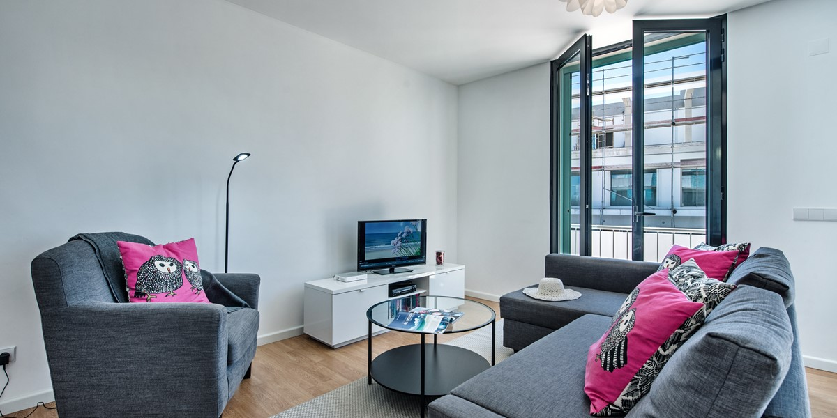 Super Soft Stylish Furnishings At Our 2 Bedroom 1St Floor Apartment