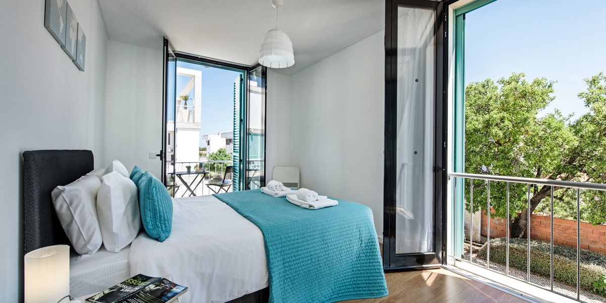 The Kingsize Bed At Thsi Fabulous 2 Bedroom 1St Floror Apartment
